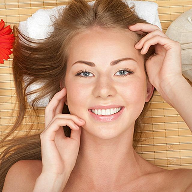 Cat investesti in produse cosmetice destinate ingrijirii pielii?